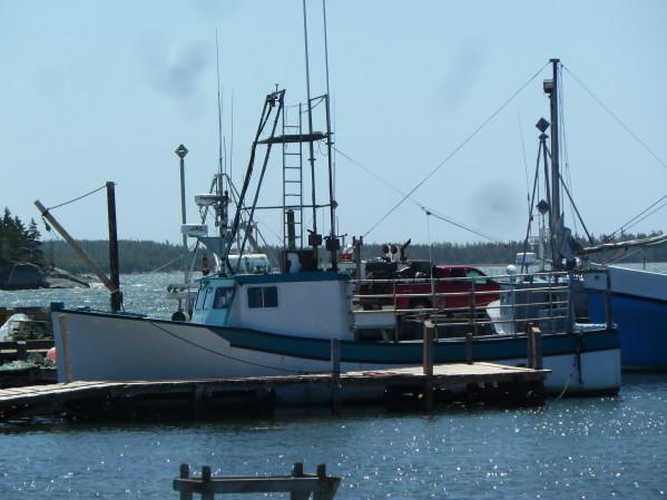 https://novimarinebrokers.com/storage/files/02/47/21/tn_fishing_boat_Lobster_for_sale_20579.jpg