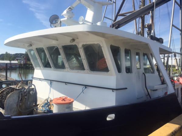 https://novimarinebrokers.com/storage/files/02/56/88/tn_fishing_boat_Groundfish_Herring_for_sale_21423.jpg