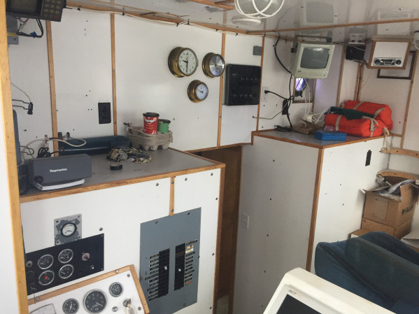 https://novimarinebrokers.com/storage/files/02/82/14/tn_fishing_boat_Lobster_Herring_Scallop_Crab_for_sale_23661.JPG