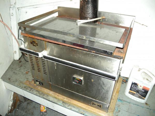 https://novimarinebrokers.com/storage/files/03/12/00/tn_fishing_boat_Lobster_for_sale_26394.JPG